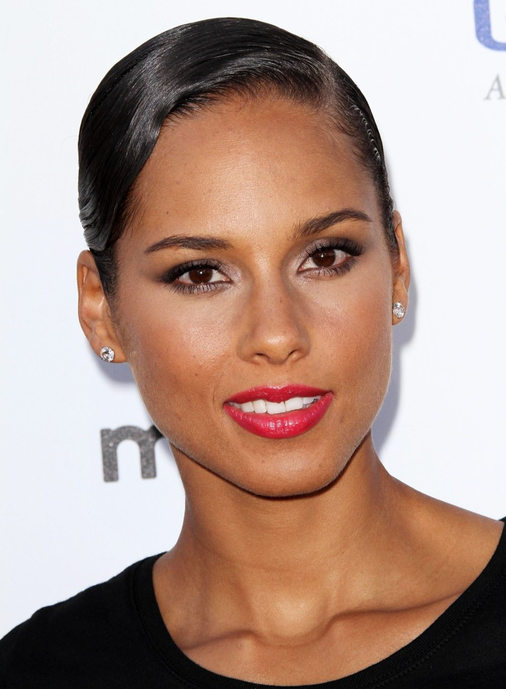 alicia-keys-stand-up-to-cancer-2012-01