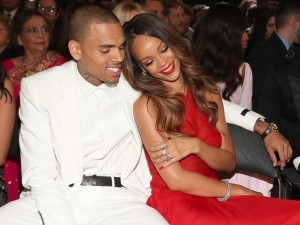 rihanna-chris-brown-pull-it-up